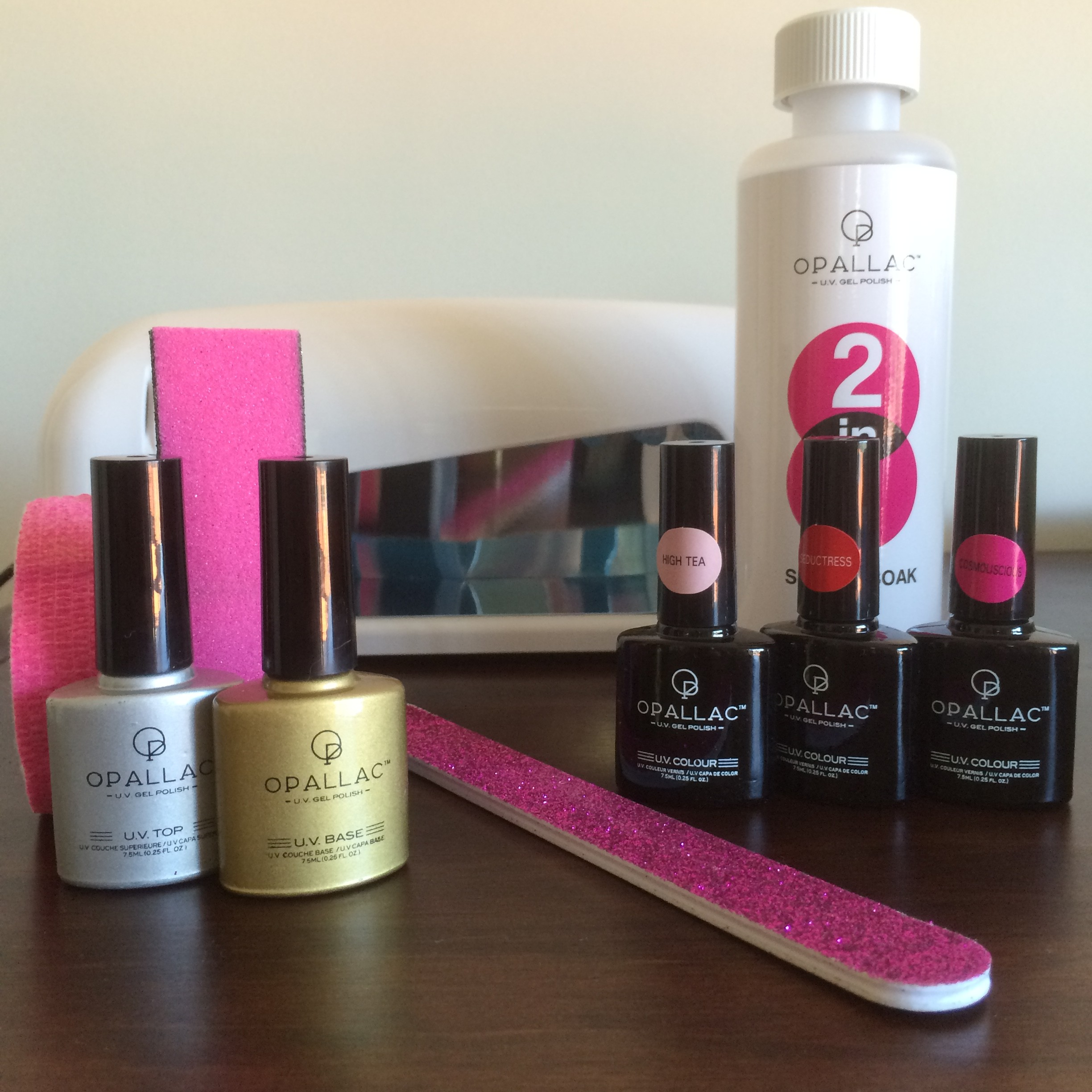 Gel nails at home with Opallac