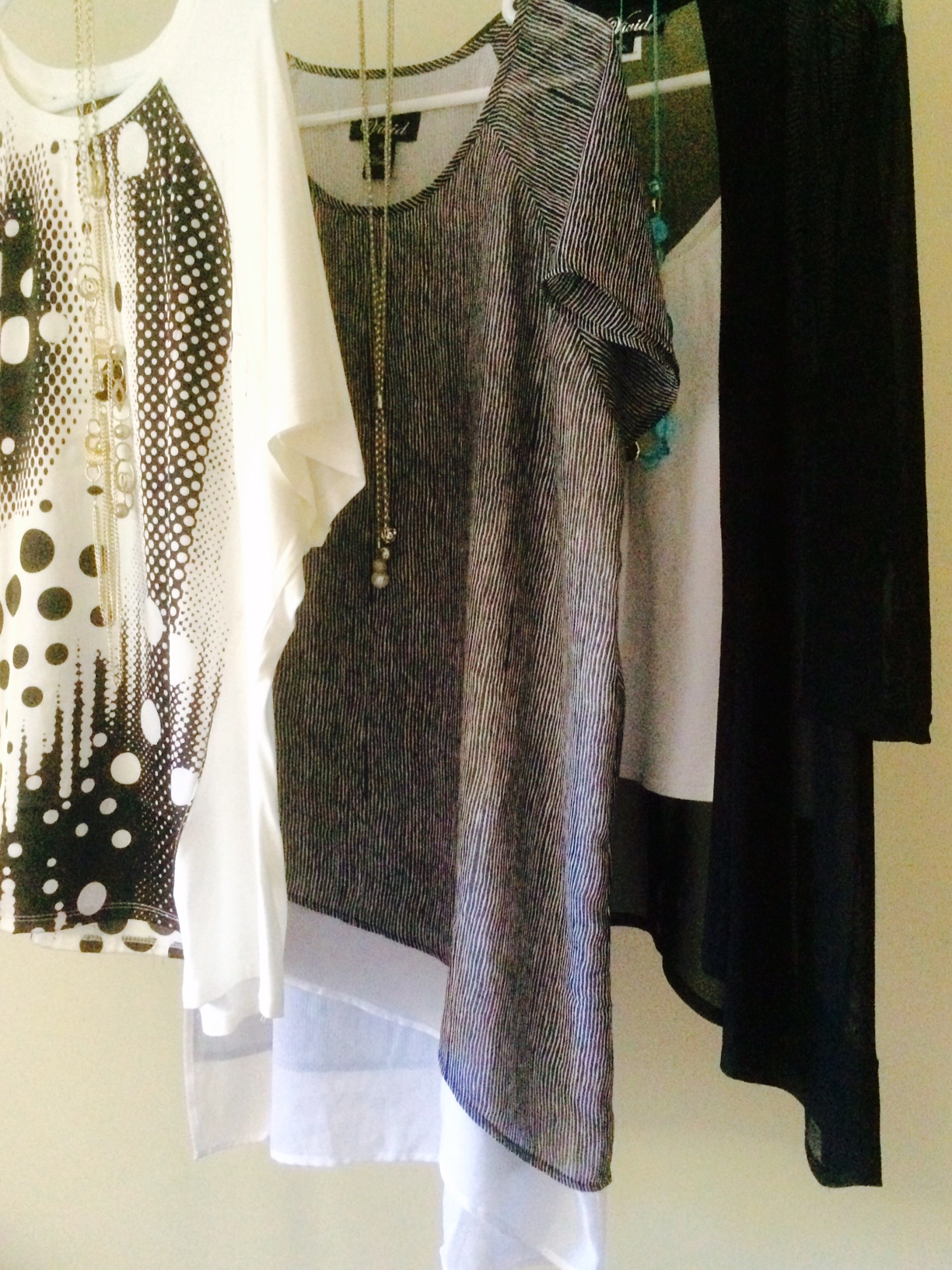 vivid international clothing